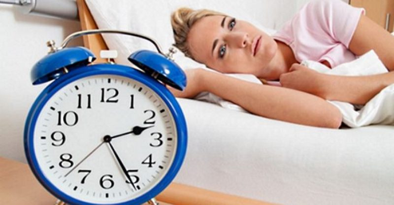 woman-trouble-sleeping-at-night1